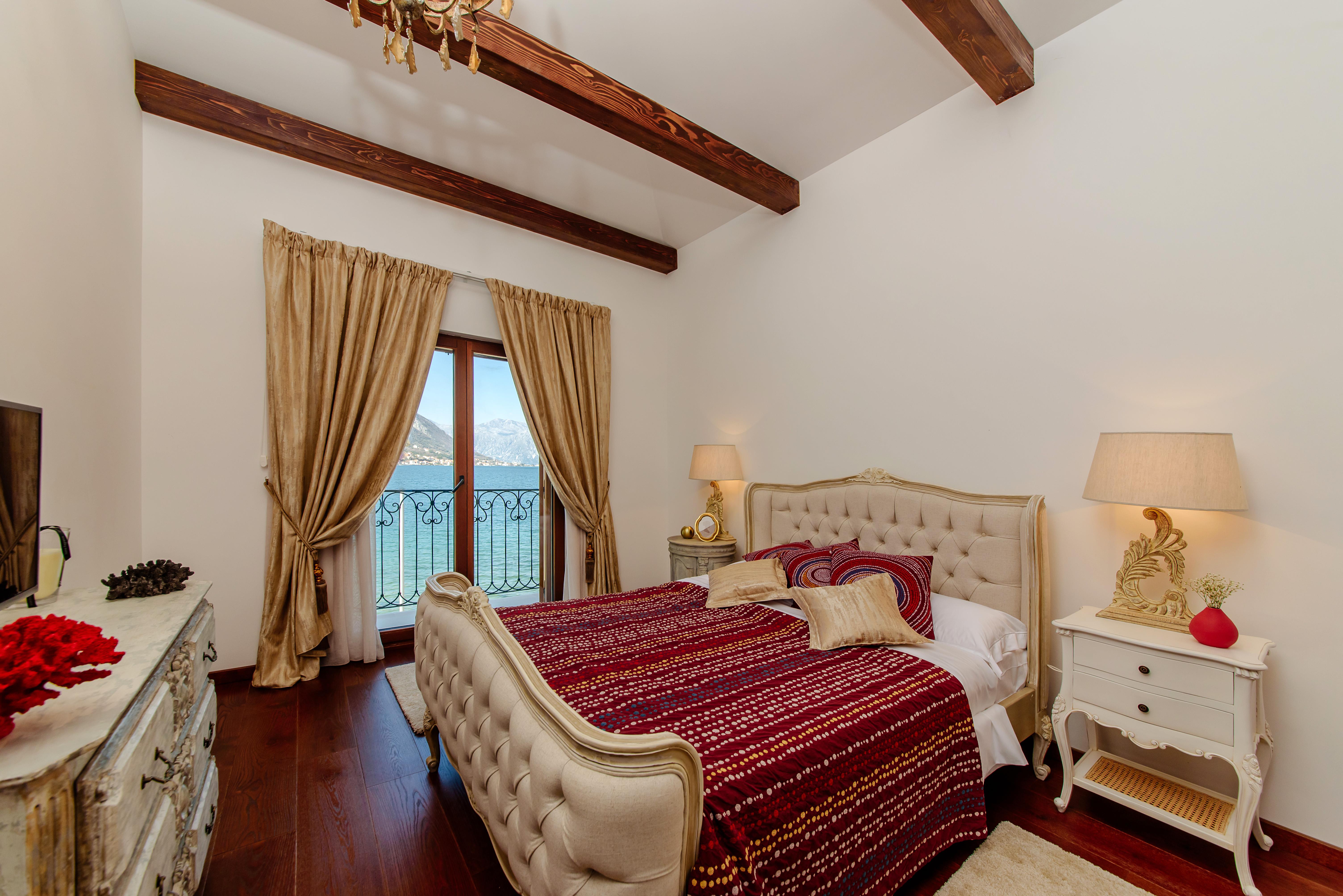 Three Bedroom Beachfront Villa - Advanced Purchase Rate