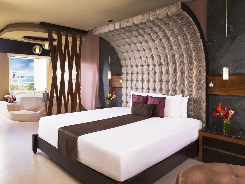 Connoisseur One Bedroom Suite
