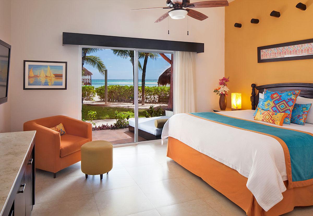 Mi Hotelito Beachfront Suite