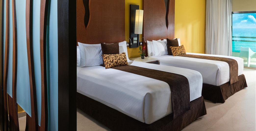 Oceanfront Two-Bedroom Pool Swim-up Jacuzzi Suite