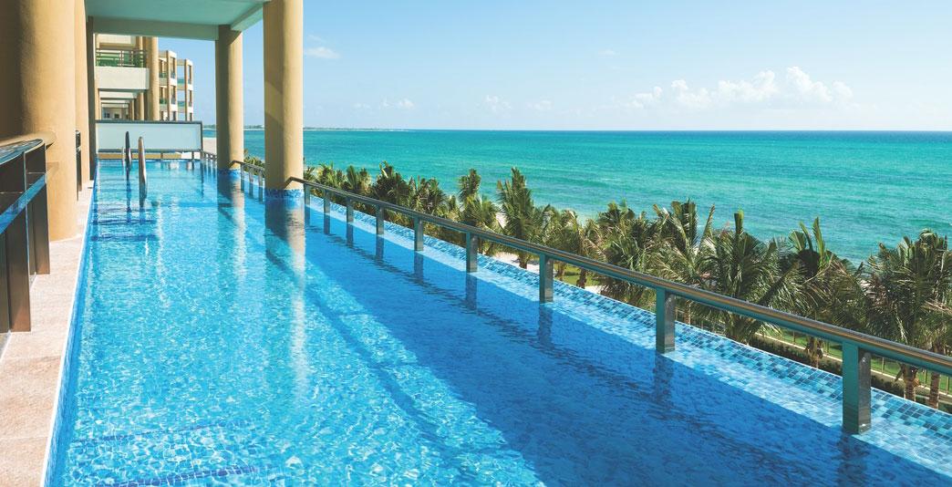 Oceanfront Three-Bedroom Swim-up Jacuzzi Suite